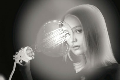 chanel-l-eau-n5-lily-rose-depp-backstage-05