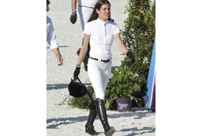 charlotte-casiraghi-bianco-cavallo-olycom