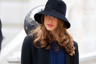 charlotte-casiraghi-cappello-olycom
