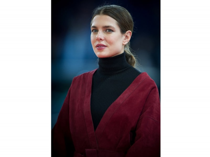 charlotte-casiraghi-suede-lupetto-olycom