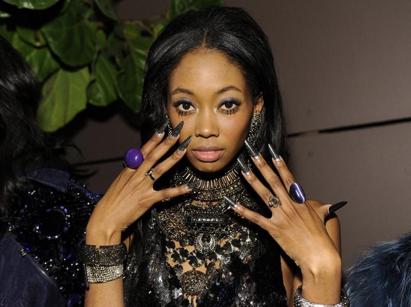 nail art nero ai 16 shimmer