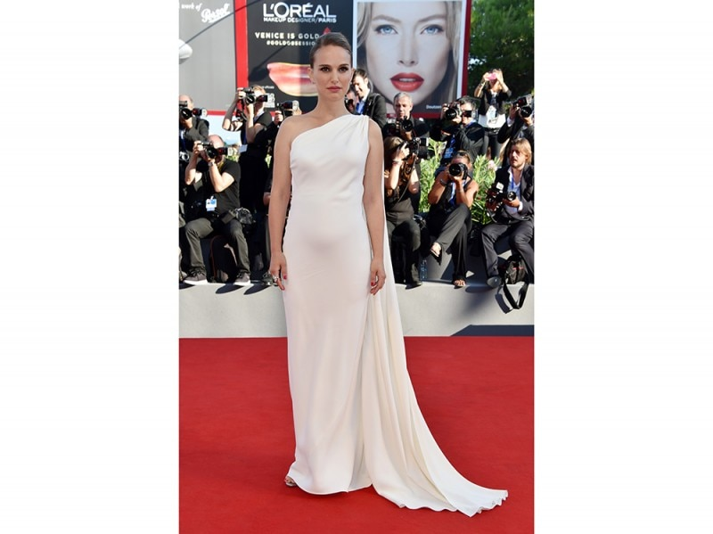 natalie-portman-red-carpet-venezia-2