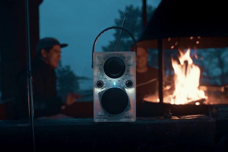 Tivoli: la radio portatile s'illumina di LED