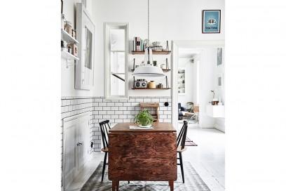 13.come-arredare-una-casa-piccola-cucina-tavolo-con-ribalta-estendibile