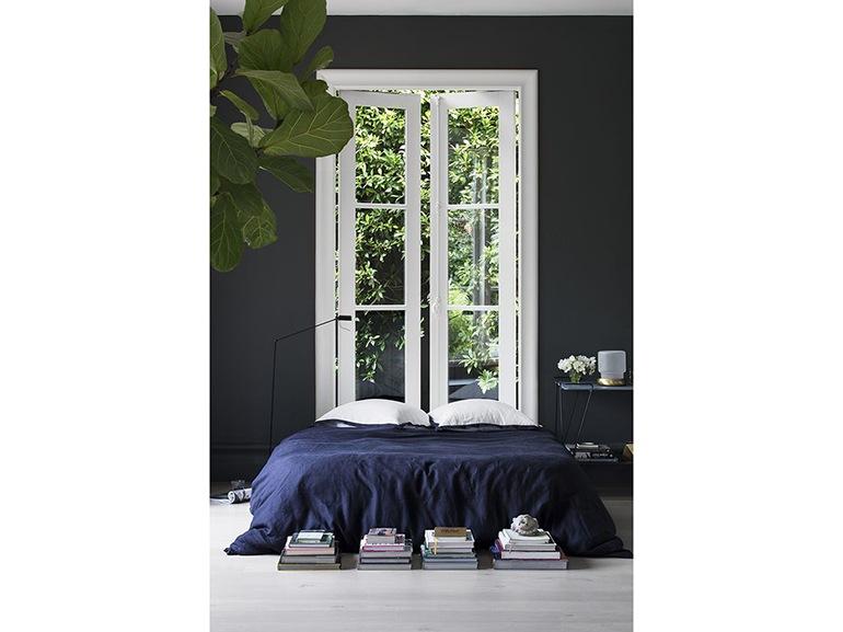 Arredare la camera da letto con il nero grazia - La finestra della camera da letto ...