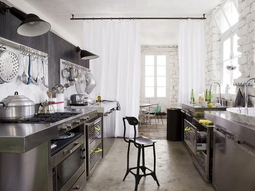 8.come-arredare-una-casa-piccola-cucina-zona-pranzo-filtro-tenda ...