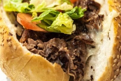 Philadelphia-in-tavola-cheese-steaks