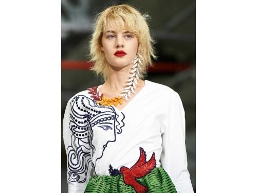 0ff2af190648 I trend beauty primavera estate 2017 dalla London Fashion Week