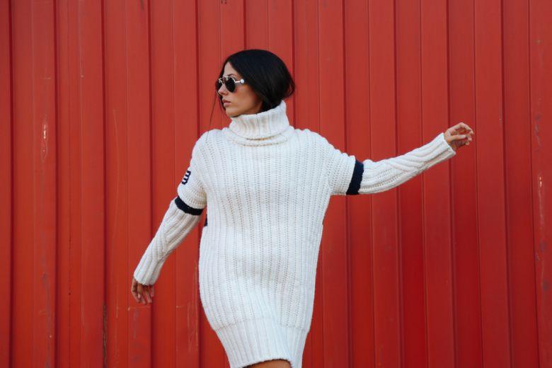 Gilda Ambrosio interpreta la collezione di Gigi Hadid x Tommy Hilfiger