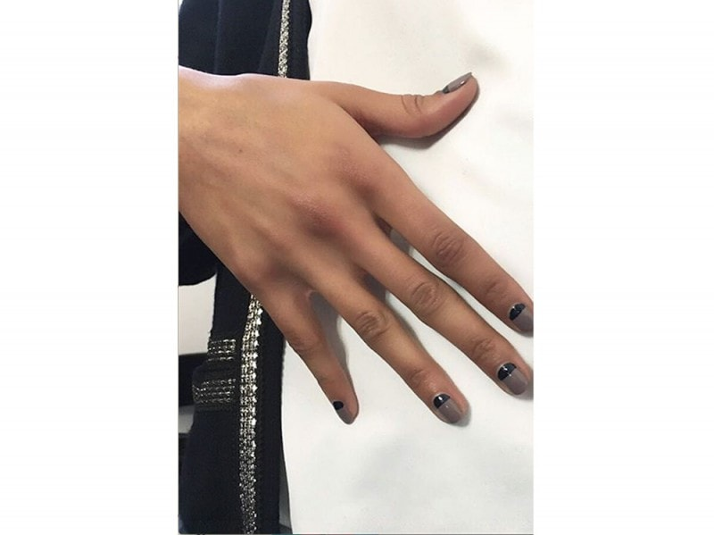 french manicure rivisitata Madeline Poole dkny