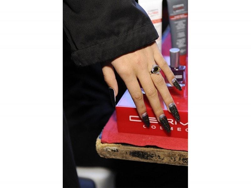 french manicure rivisitata glitter nero