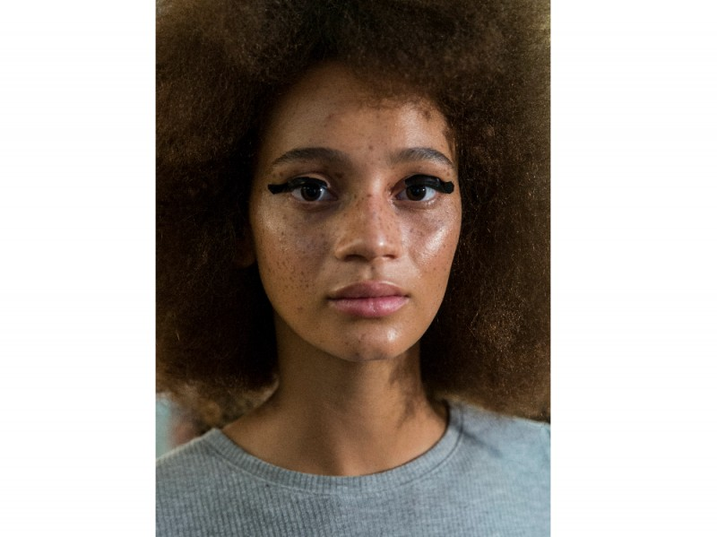 lfw-beauty-trend-ss17-bold-eyeliner