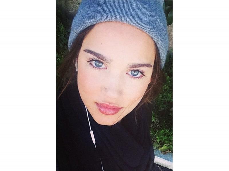 matilda lutz beauty look  (5)