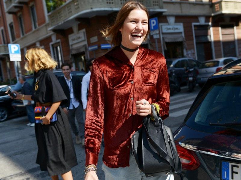 milano-street-style-day-4-velvet-tshirt