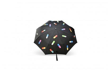 moschino-ss17-ombrello