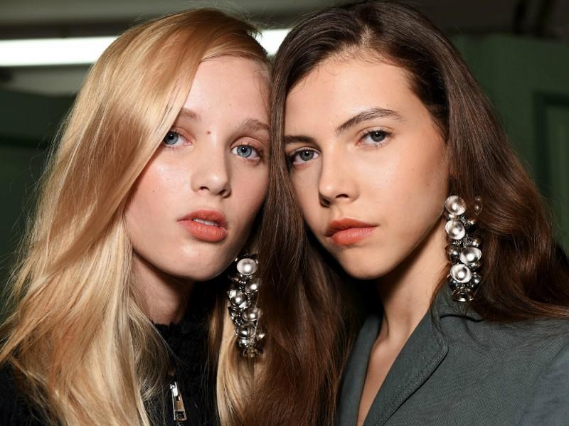 JW-anderson-nars-beauty-trend-lfw-ss17