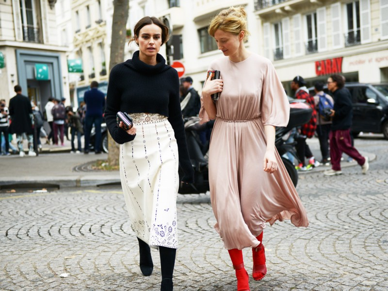 street-paris-day-4-2016-kasia-smutniak-alba-rohrwacher