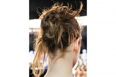 tagli-capelli-acconciature-sfilate-londra-ai-2016-Holly-Fulton