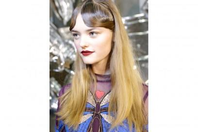 tagli-capelli-acconciature-sfilate-londra-ai-2016-Mary-Katrantzou