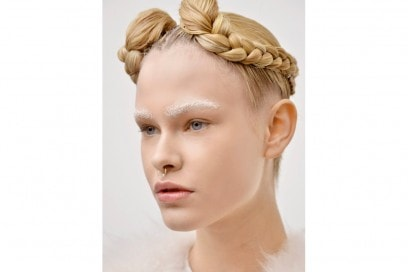 tagli-capelli-acconciature-sfilate-parigi-ai-2016-Moncler-Gamme-Rouge