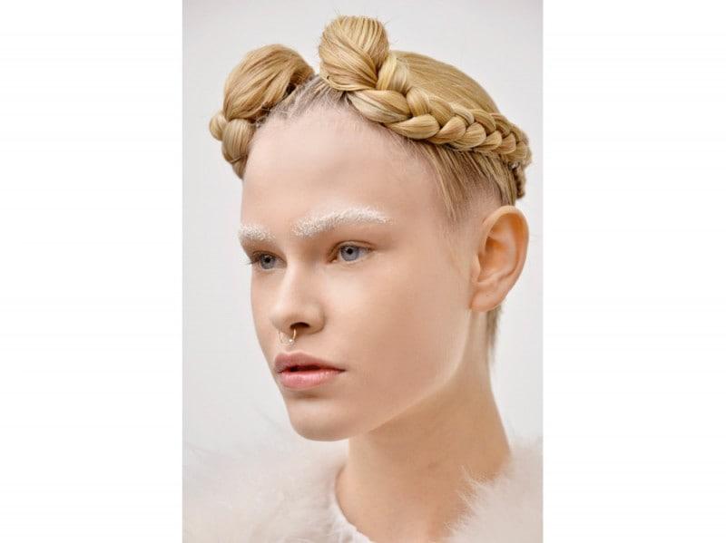 I tagli di capelli e le acconciature più belle alle sfilate di ... 2bf1a4067927
