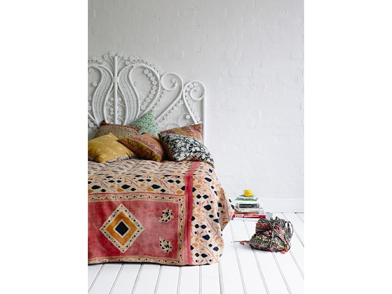 3–Testiere-camera-da-letto-stile-romantico