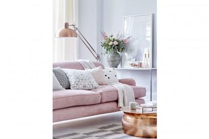 3.vado-a-vivere-da-sola-divano-rosa-living-room
