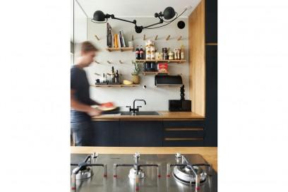 5-vado-a-vivere-con-lui-cucina-parete-attrezzata