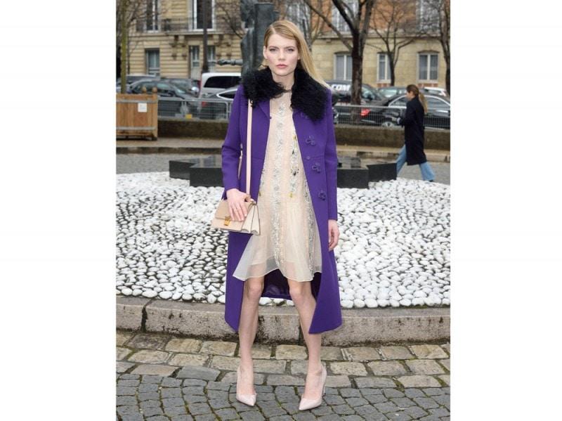 EMMA-GREENWELL-cappotto