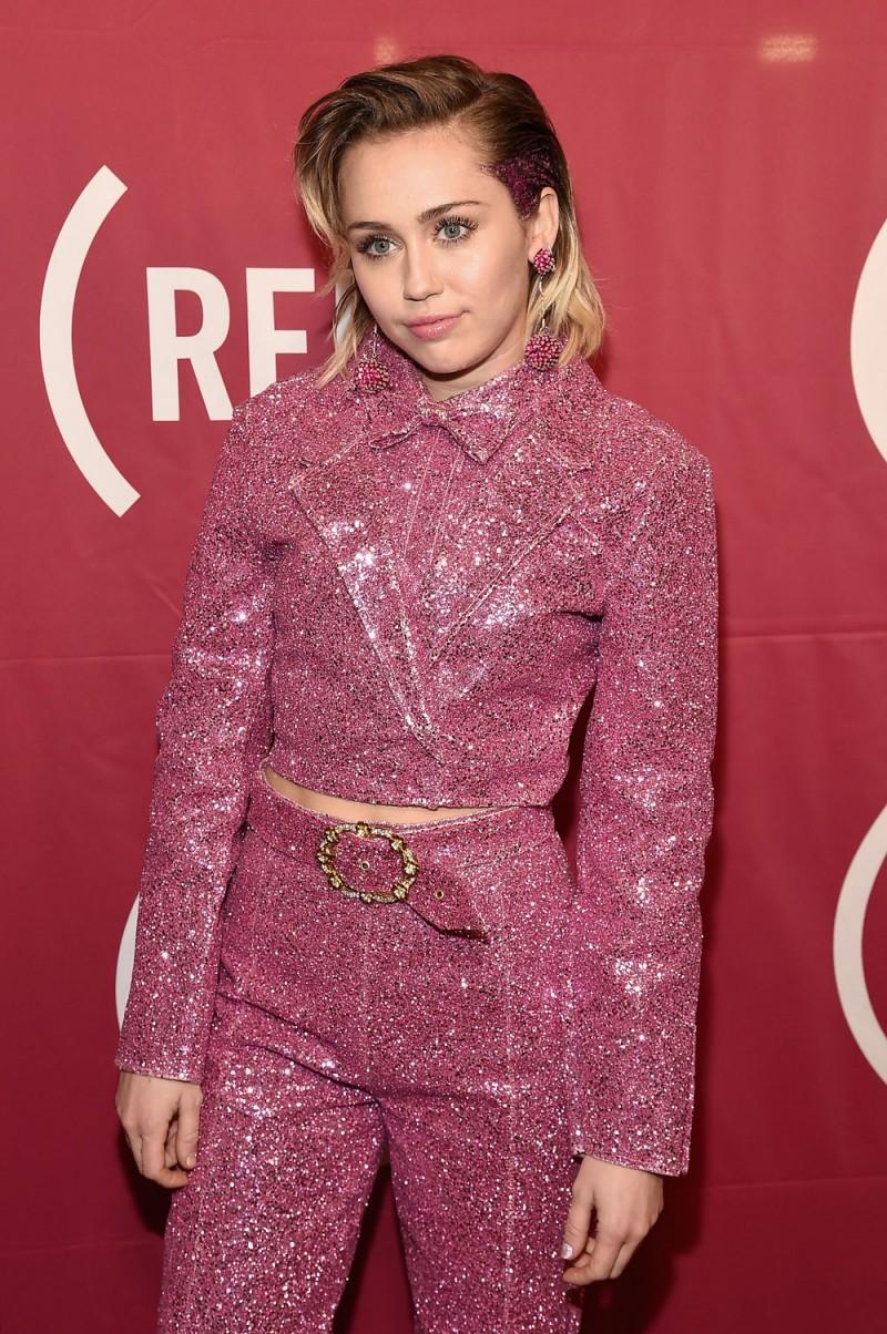 Miley-Cyrus-altezza