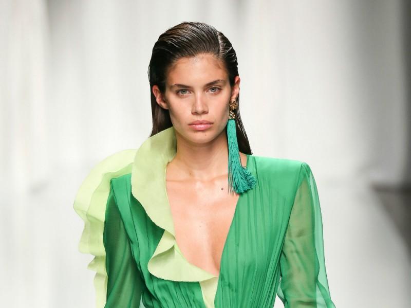 PFW-beauty-trend-ss-17-emanuel-ungaro
