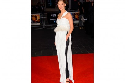 ROSAMUND-PIKE in givenchy couture -olycom