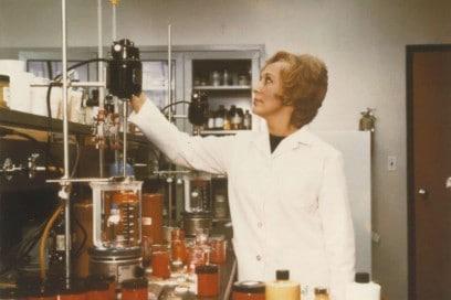 R_D Facility_Melville Long Island (1970) -® Estee Lauder