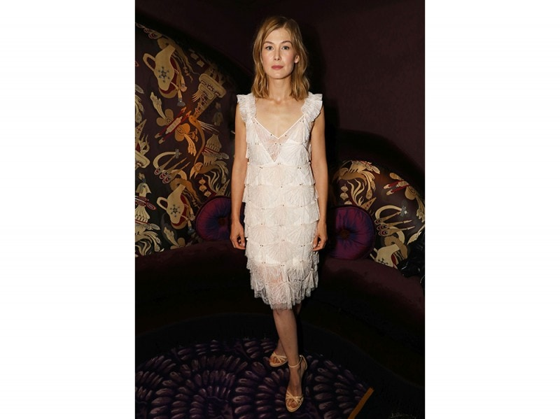 Rosamund-Pike–in-Givenchy-by-Riccardo-Tisci-press-Office