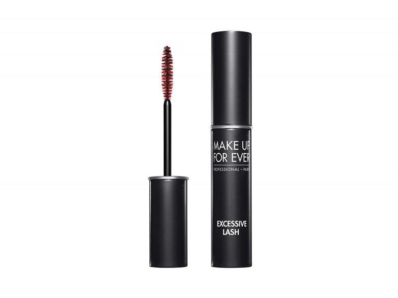 ariana-grande-copia-il-beauty-look-mufe-excessive-lashes