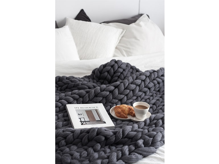 chunky knit blanket 10