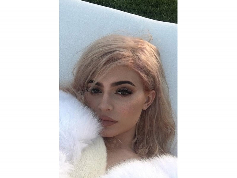 rosegoldhair_kylieJenner