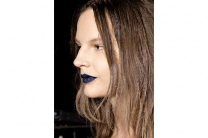 rossetto blu sfilata