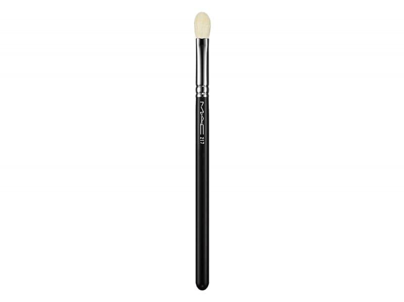 smokey-eyes-10-step-per-realizzarlo-mac-cosmetics-pennello-217