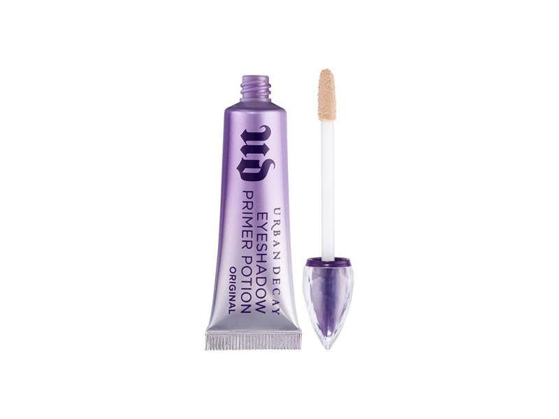 smokey-eyes-10-step-per-realizzarlo-urban-decay-eyeshadow-primer-potion