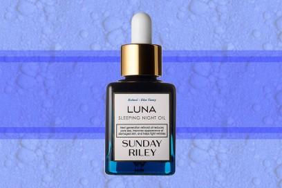 trucco blu elettrico olio viso sunday riley luna