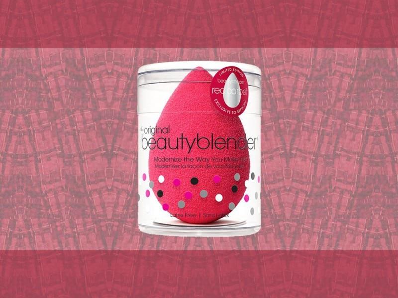 trucco rosso beauty blender rossa
