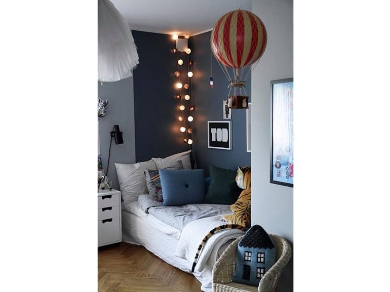 Come decorare la camera da letto con le lucine grazia - Decorare pareti camera ...