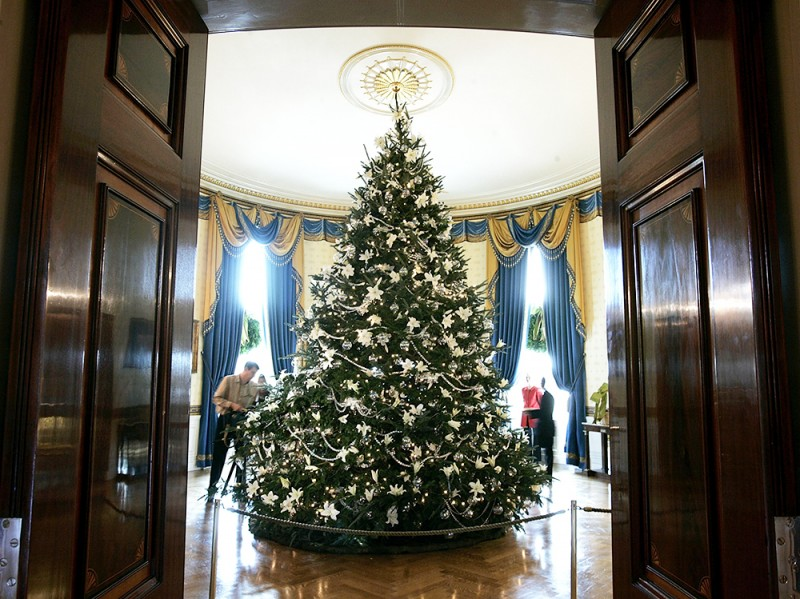 Laura Bush Presents White House Holiday Decorations