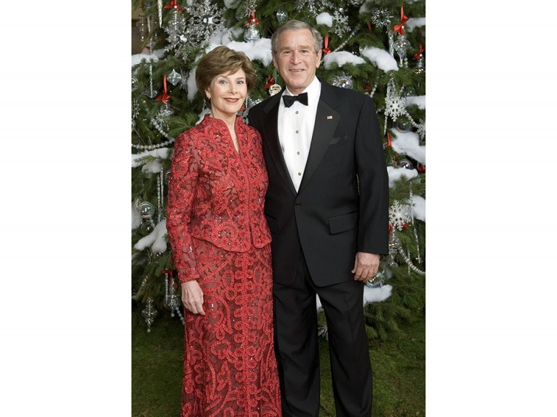 President Bush And Laura Bush Pose For  Portrait