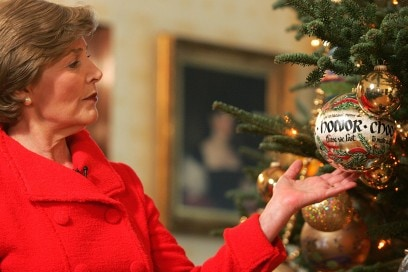First Lady Laura Bush holds a Christmas