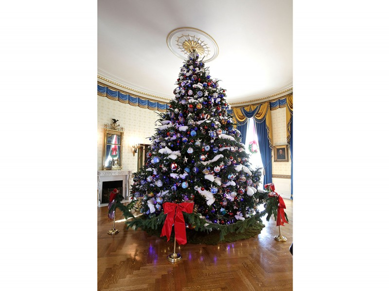 Laura Bush Hosts Media Preview Of White House Holiday Decorations