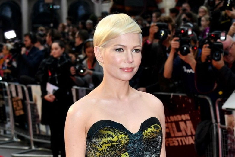 Michelle Williams: i migliori beauty look con ciglia lunghe e make up soft