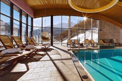 10-Natale-sulla-neve-10-hotel-di-design-da-non-perdere-Bergland-Hotel-Sölden-austria