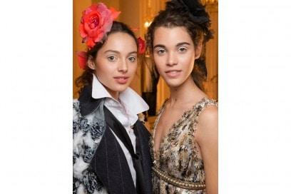 Chanel Métiers D'Art il backstage beauty della sfilata Parise Cosmopolite (6)